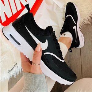 NWT Nike Air Max Thea black